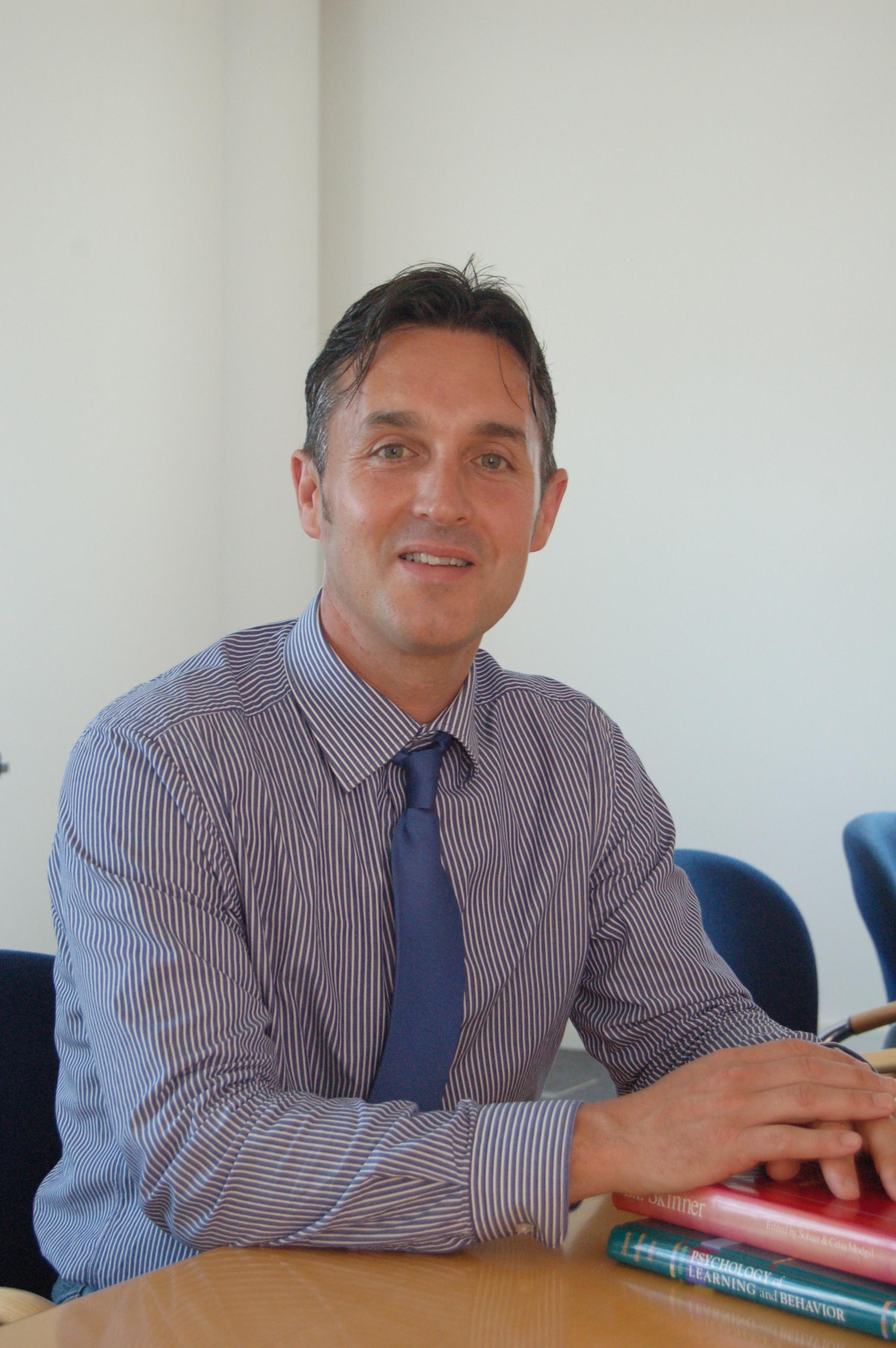 Prof Carl Hughes