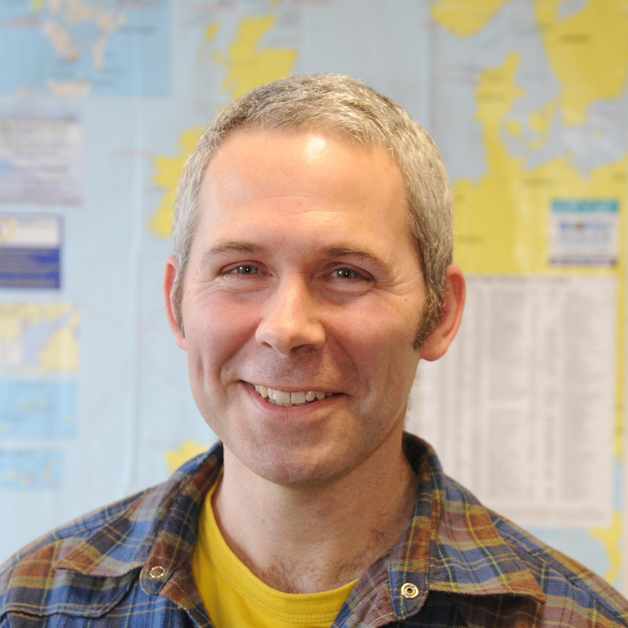 Dr Simon Neill