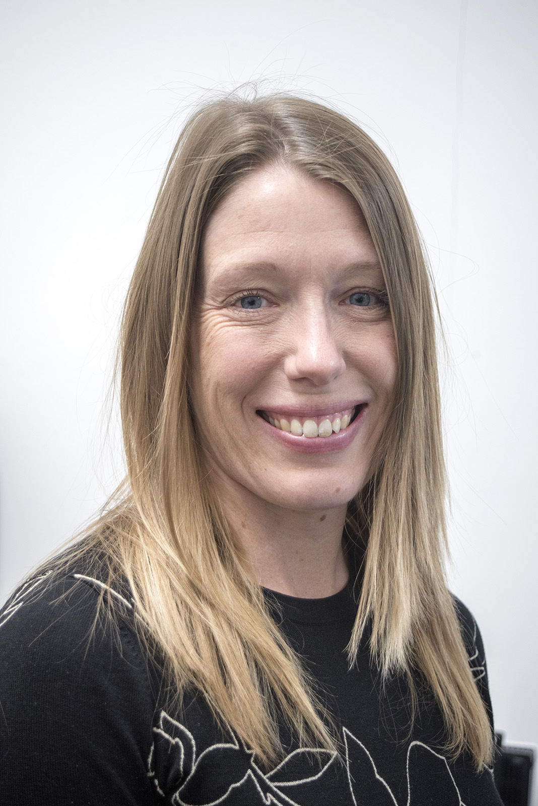 Dr Laura Grange