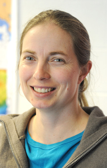 Dr Natalie Hold