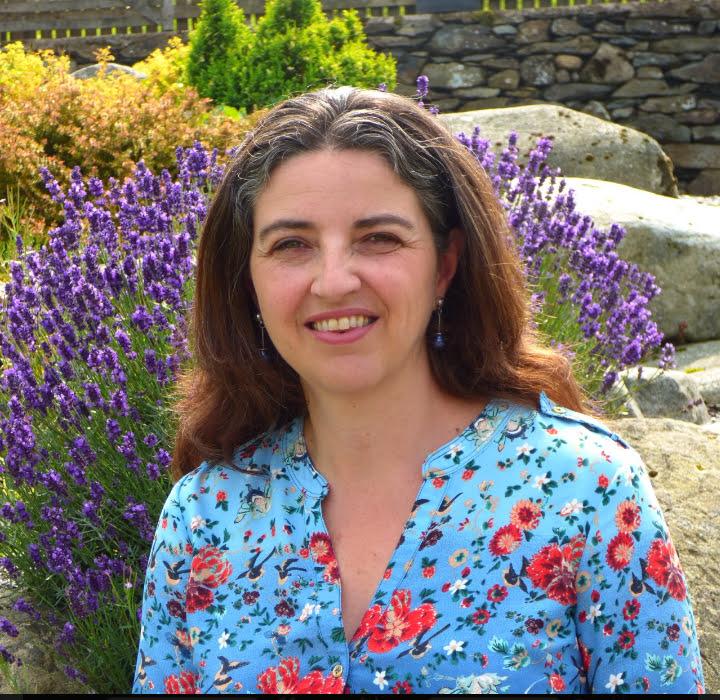 Dr Catrin Hedd Jones