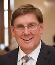 Dr Gwilym Owen